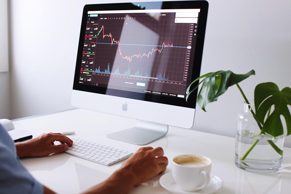 como investir online: home broker
